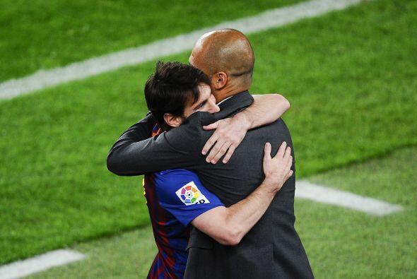 Al final Messi y Guardiola se unieron en un abrazo infinito.