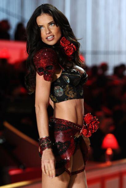 Adriana comenzó a formar parte de este grupo de modelos en el año 2000 y...