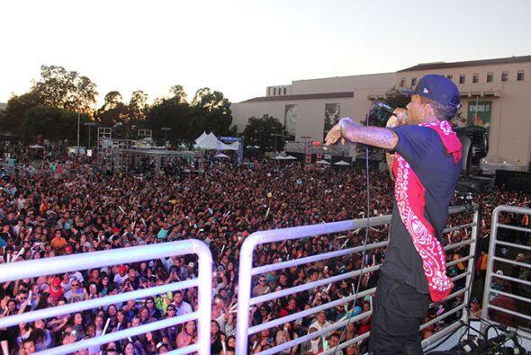 Kid Ink performed high above the crowd from the Coors Light stage! See e...