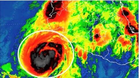 Dora se intensificó a huracán frente a Colima y Jalisco, y continúa desp...