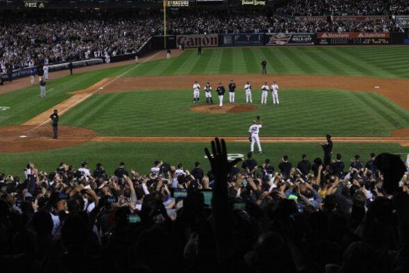 Mariano Rivera se va con un r^cord impresionante con los Yankees. Cinco...