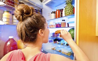 Una buena organización de los alimentos dentro del refrigerador,...