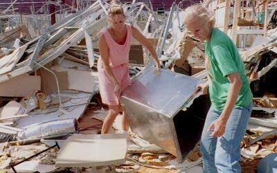 El huracán Andrew generó cambios políticos y en los códigos de construcc...