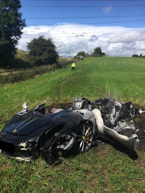 por qué se incendia un auto deportivo