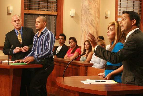 Según el demandante, debido a que Denisse comenzó a estudiar, descuidó s...