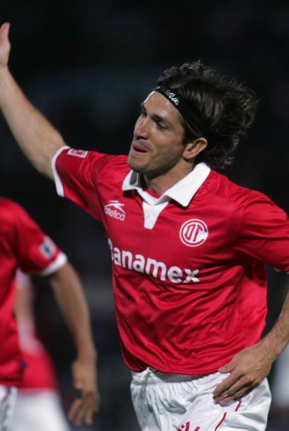 Bruno Marioni, argentino, fue el goleador del Apertura 2006 con 11 tanto...