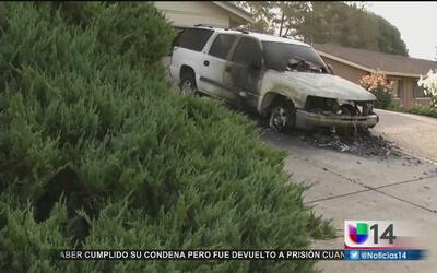 Arrestan a un hombre acusado de incendiar varios vehículos en el este de...
