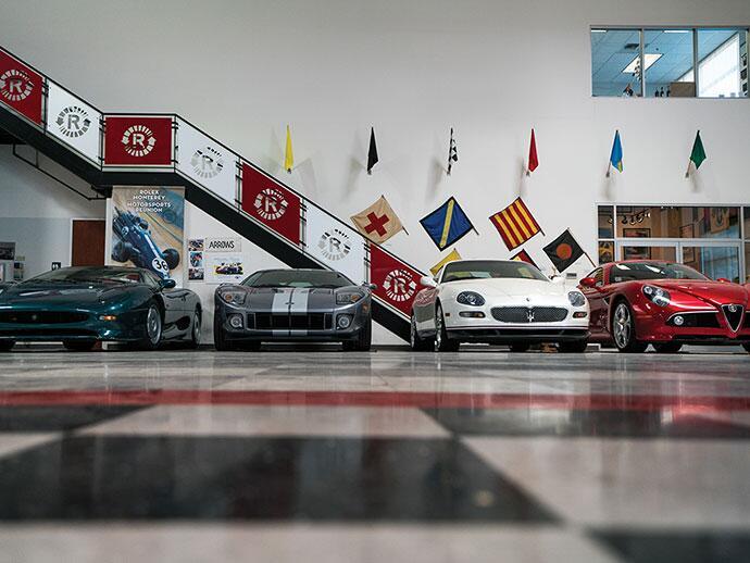 Vehículos del Museo Automovilístico de Riverside para la subasta.