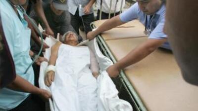 Por lo menos 19 personas murieron y otras siete quedaron heridas al caer...