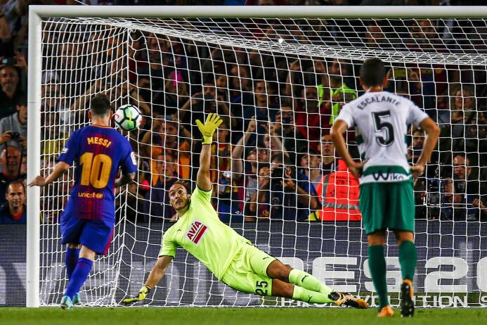Faena de Messi en la goleada 6-1 del Barcelona sobre Eibar 6364145697335...