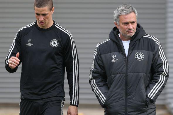 Chelsea más que tener problemas para fichar tiene que solucionar...