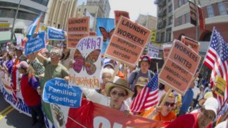 Las organizaciones que defienden los derechos de los inmigrantes aceptan...