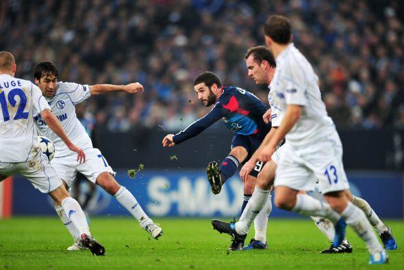 El Schalke 04 recibió al Lyon francés.