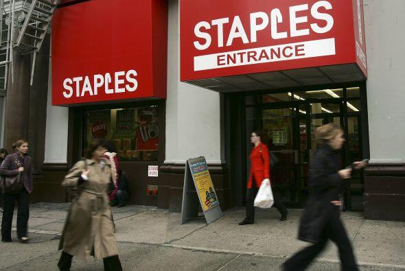STAPLES- Esta tienda abrirá tus puertas a partir de las 6 a.m. del 23 de...