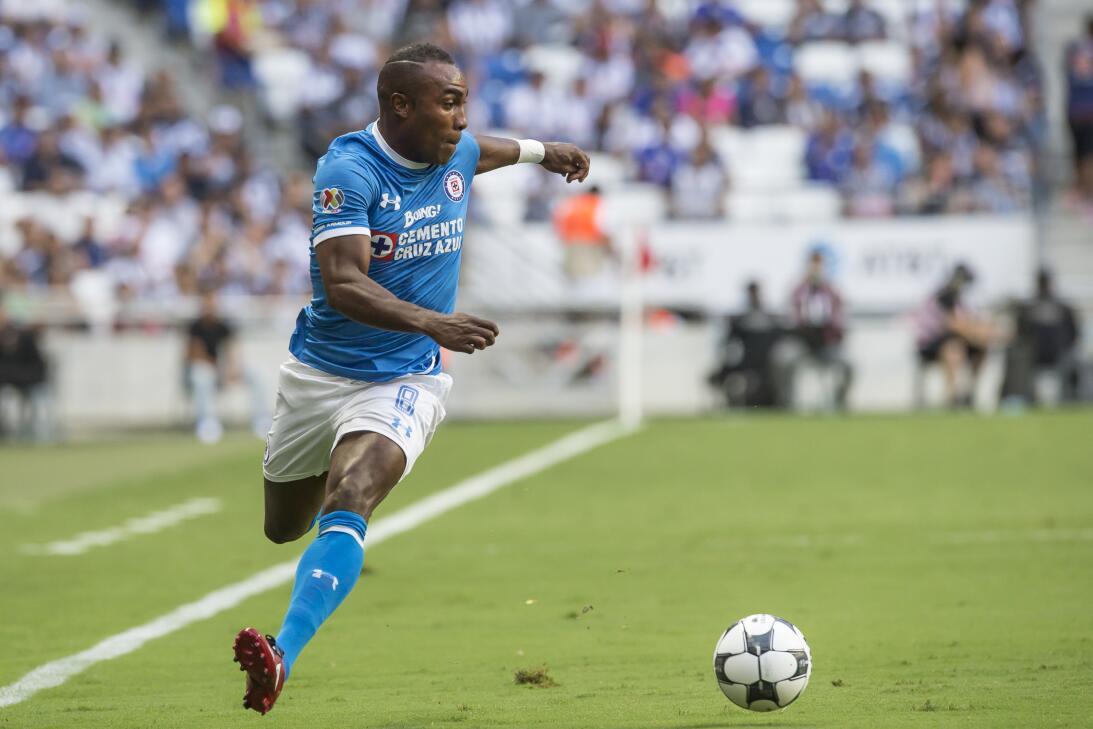 Pasiones divididas: jugadores que pasaron por Cruz Azul y Pumas gettyima...