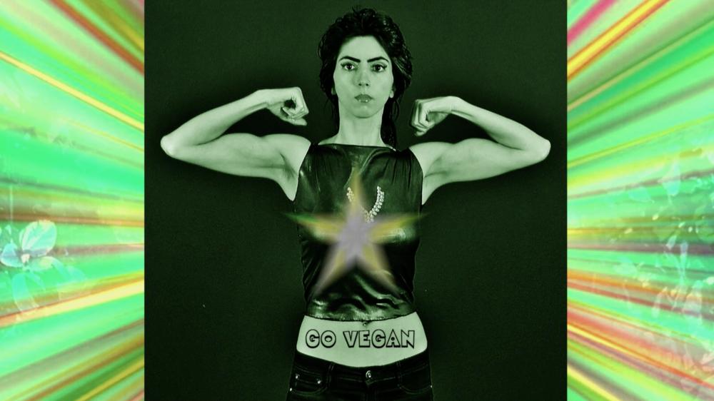 Imagen tomada de un video donde promueve la vida vegana.