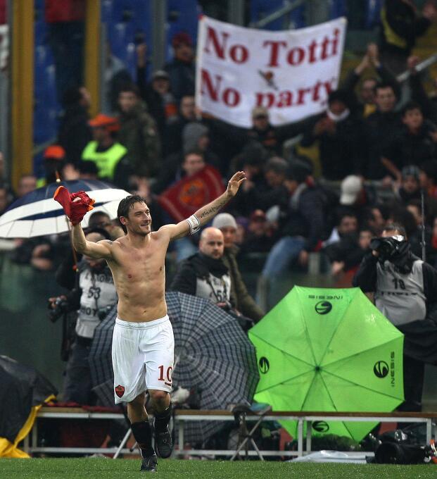 Además, ha tenido protagonistas ilustres como Francesco Totti, quien ade...