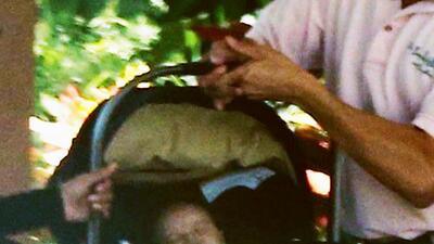A Eva Longoria también le cuesta lidiar con el coche de su bebé (como nos pasa a muchos)