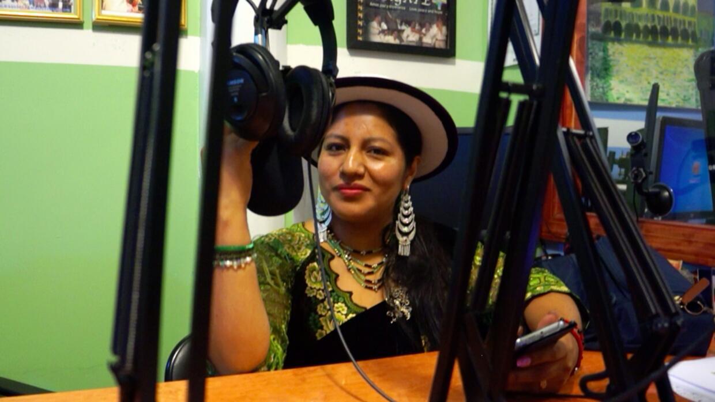 Deisy Alvarez suele lucir la vestimenta tradicional kichwa casi todos lo...