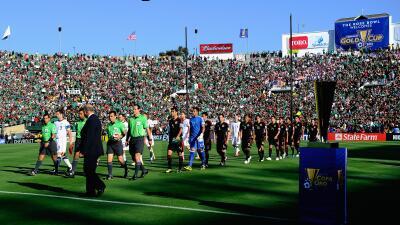 En el Rose Bowl se jugará el partido entre México y Estados Unidos por e...