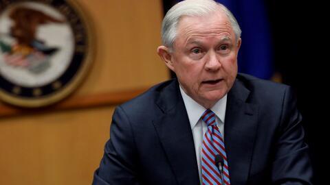 """Jeff Sessions: """"Si usted es un pandillero lo encontraremos, destruiremos..."""