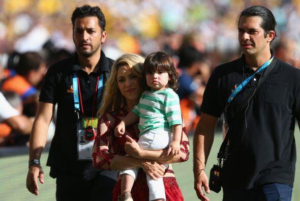 Shakira custodiada. Mira aquí los videos más chismosos.