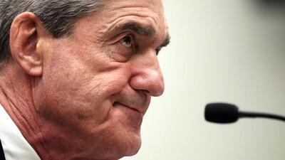 El exdirector del FBI Robert Mueller en una sesión en el Senado e...