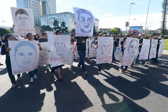 Ésta es la manifestación realizada con el mismo motivo en El Salvador.
