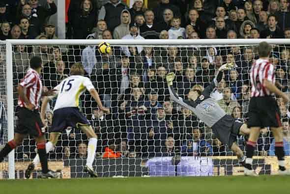 Dos goles metieron los 'Spurs' para subir al quinto puesto de la clasifi...