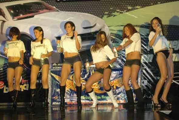 Para cerrar, las chicas se despidieron con un sexy baile.