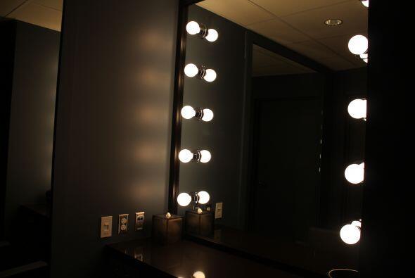 Aquí se maquillarán tus artistas favoritos antes de subir al escenario.