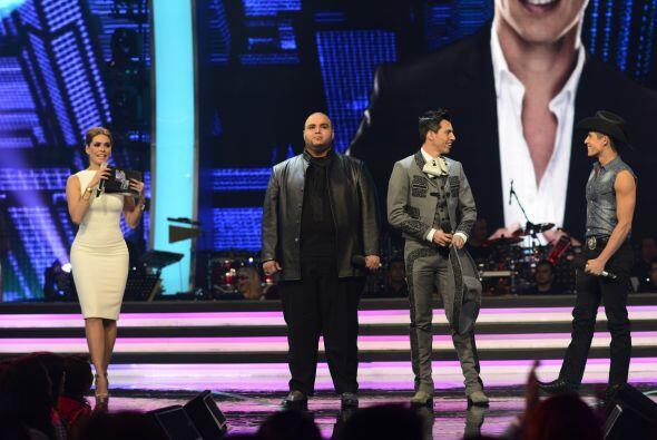 Al inicio de la sexta gala, se decidió la suerte de Fernando.