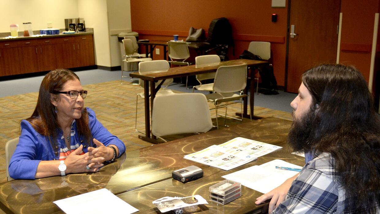 Piedad Thibodeaux le contó a su entrevistador Nick Tate de su historia.