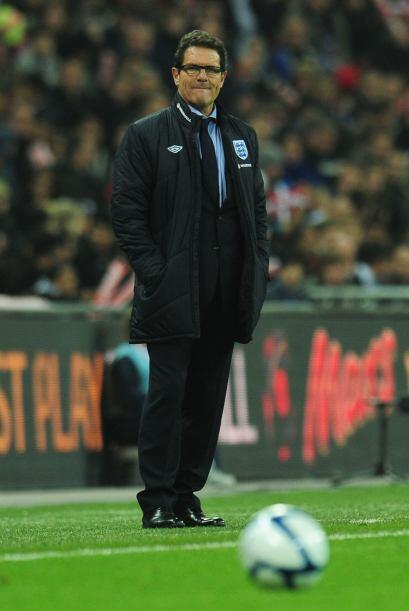 El técnico Fabio Capello aprovechó para alinear un cuadro...