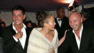 Estos son los despampanantes looks de Jennifer López (y sus acompañantes) en su paso por la Gala MET