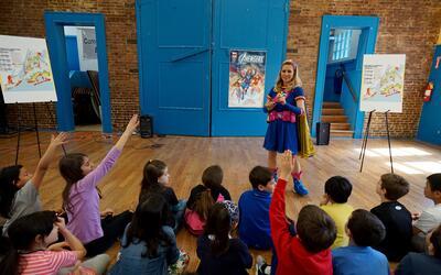Ready Girl convirtió en superhéroes a unos 30 niños...