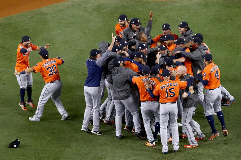 Astros, campeón de la Serie Mundial 2017 | MLB gettyimages-869204414.jpg