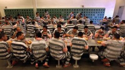 Arpaio administra una de las más severas cárceles para inmigramtes en Es...