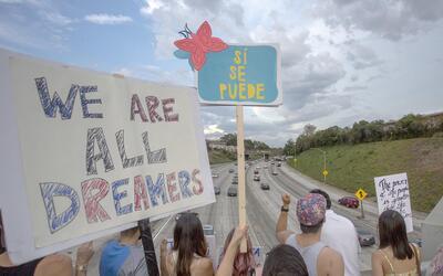 Marcha en contra de la terminación de DACA en Los Ángeles,...