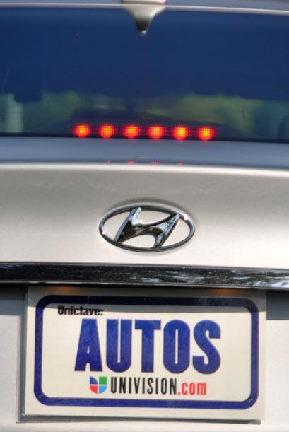 El Hyundai Sonata 2011 tiene un precio de alrededor de $25 mil dependien...
