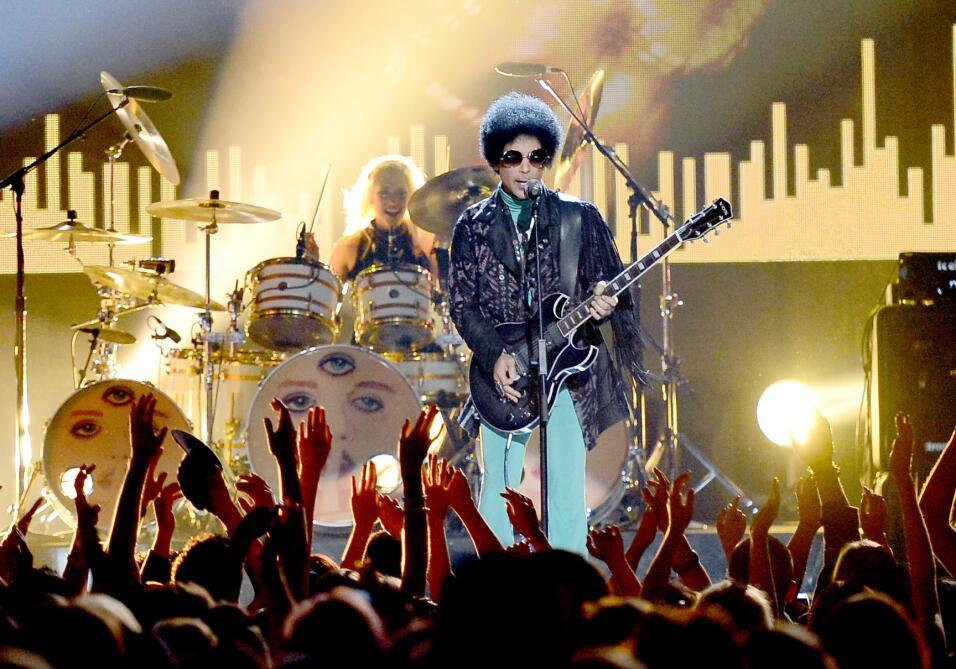 Prince, leyenda de la música, muere a los 57 años GettyImages-169081993.jpg