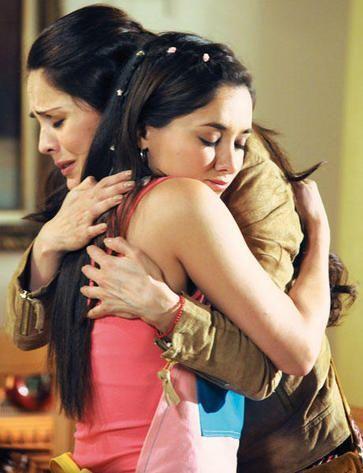 Actrices que podrían ser madre e hija en la vida real, su parecido es so...