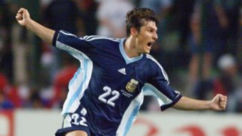 En 1998, el 'Pupi' Zanetti concretó una jugada de pizarrón de Argentina...