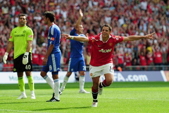 'Chicharito' estuvo muy participativo y en busca de un gol con su nuevo...