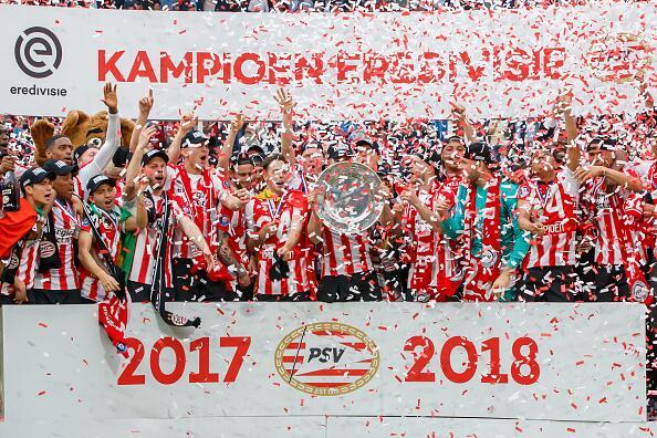 En fotos: Mexicanos campeones con el PSV Eindhoven 946569526.jpg