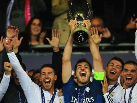 Real Madrid levantó la Supercopa europea tras derrotar al Sevilla...