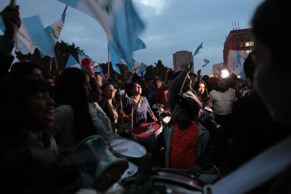 Reacciones en Guatemala tras renuncia de Otto
