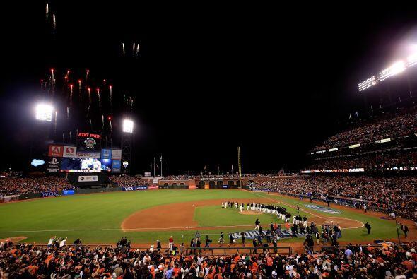 Gran fiesta se vivió en San Francisco por la victoria de los Gigantes.