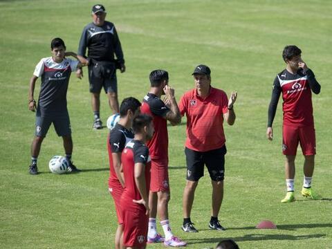 Cuando otros entrenadores preferían darles pocos minutos, Tom&aac...
