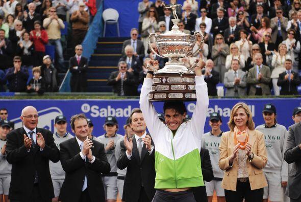 El número uno del mundo levantó por sexta vez el trofeo de...